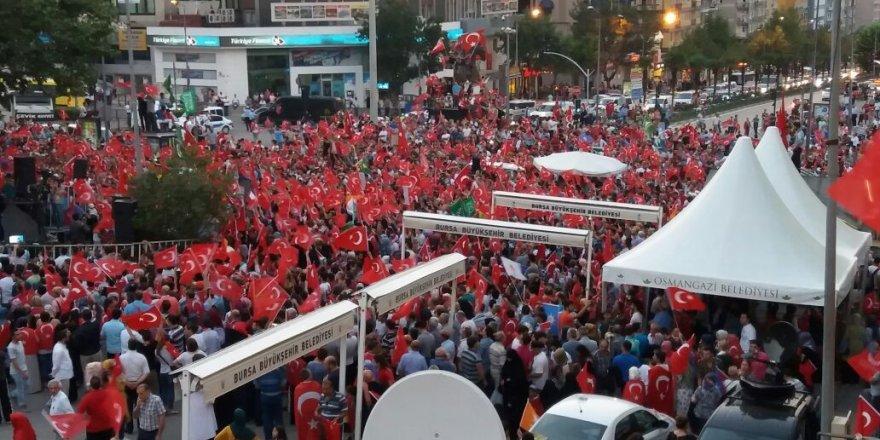 Bursa'da onbinler meydanlara indi