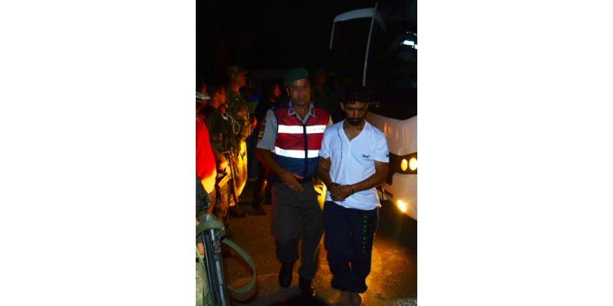 Yakalanan darbeci askerin gözaltı fotoğrafları ortaya çıktı