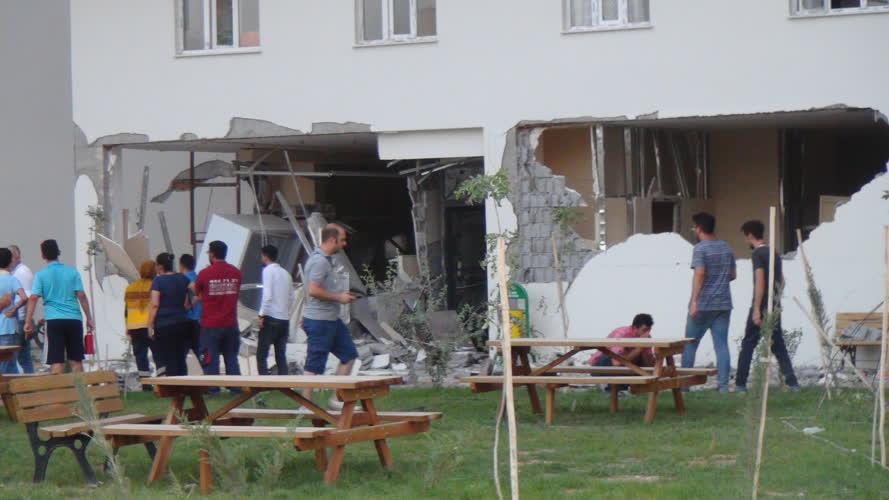 Mardin'deki bombalı saldırıdan görüntüler 1