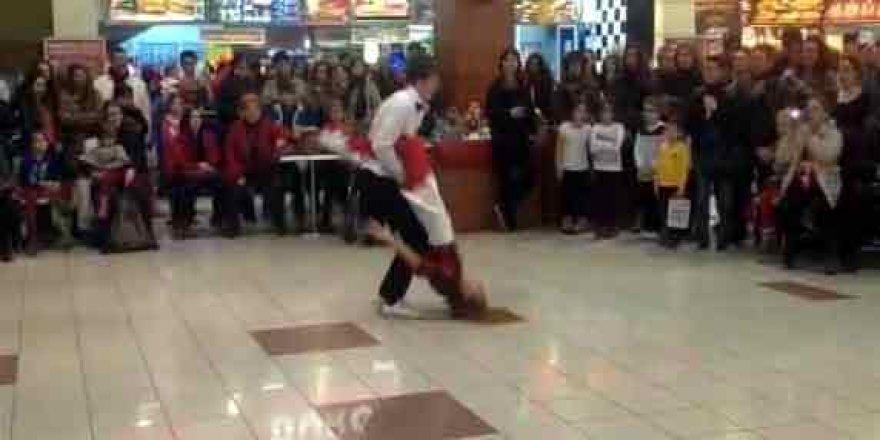 Liseli kızın dansı hastanede bitti!