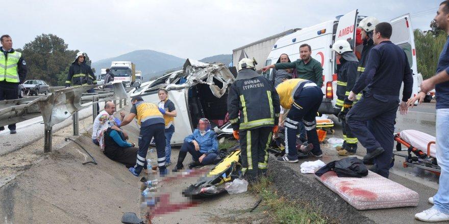 Bursa'da yağmurla gelen kazalar: 11 yaralı