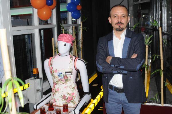 Konya'da robot garsonlu kafeterya 6