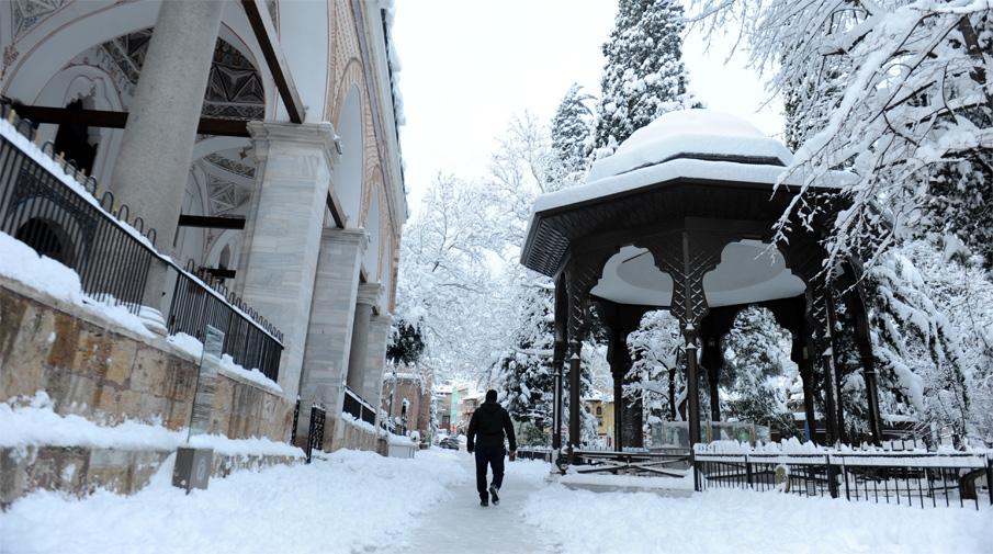 Kar yağışı Bursa'da görsel şölen oluşturdu 2