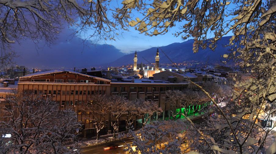 Kar yağışı Bursa'da görsel şölen oluşturdu 3