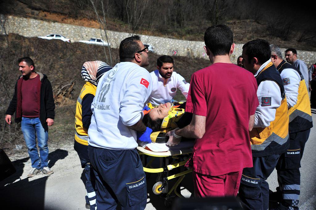 Bursa'da otobüs devrildi: Çok sayıda ölü ve yaralı var 1