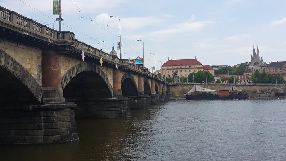 Prag'da bahar başka 9
