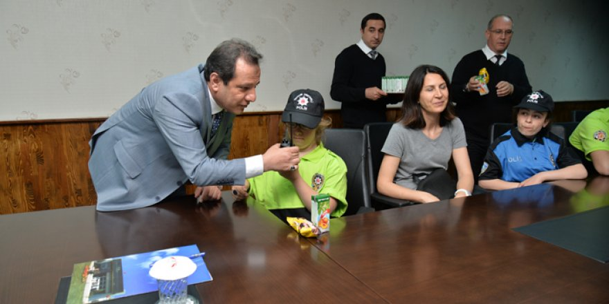 Polis engelli çocukları ağırladı
