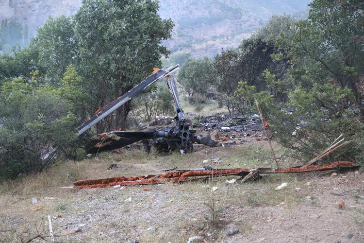 Şırnak'ta düşen askeri helikopterin enkazı görüntülendi 1