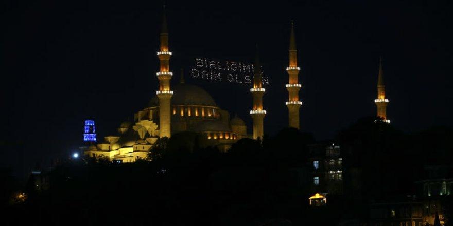 Tarihi camilerde mahyalı 15 Temmuz mesajı