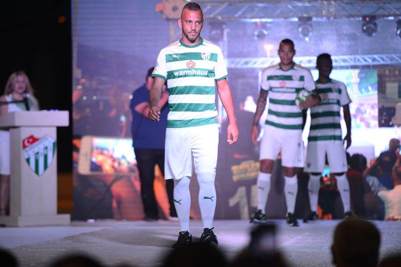 Bursaspor'un yeni sezon formaları görücüye çıktı 12