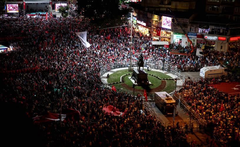 Bursa'da demokrasi nöbeti 10
