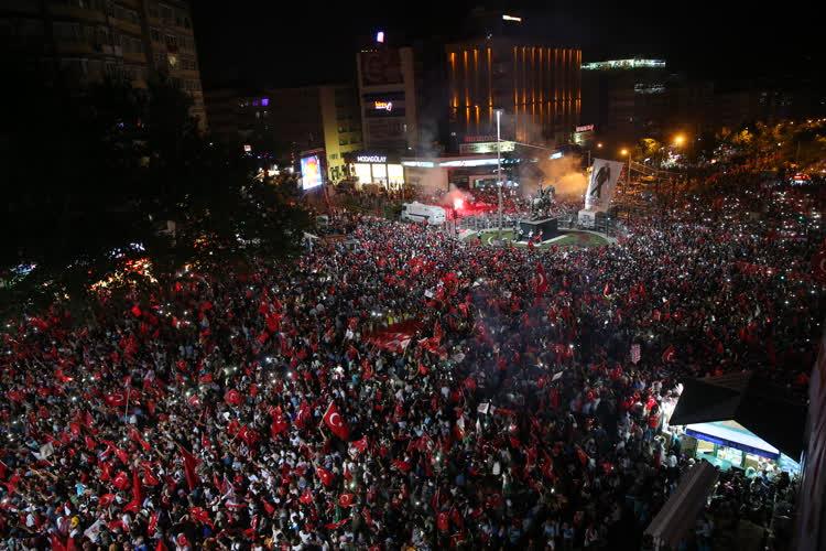Bursa'da demokrasi nöbeti 4