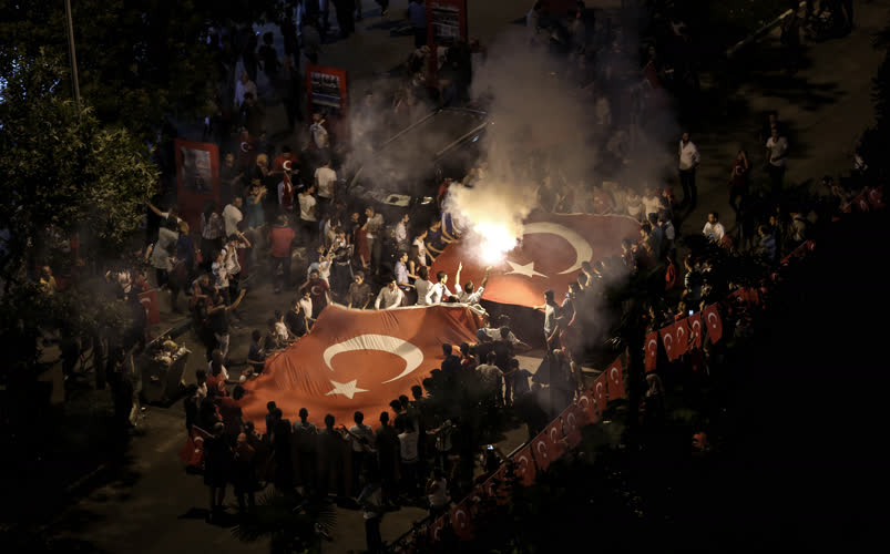 Bursa'da demokrasi nöbeti 8