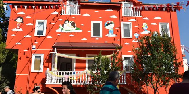 Bursa'daki bu okulda minikler hayvanlarla iç içe 1