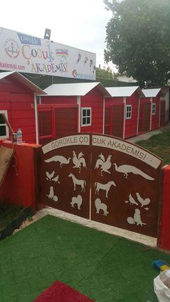Bursa'daki bu okulda minikler hayvanlarla iç içe 3