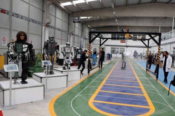 Türkiye'de ilk insansı robot fabrikası üretime başladı 18