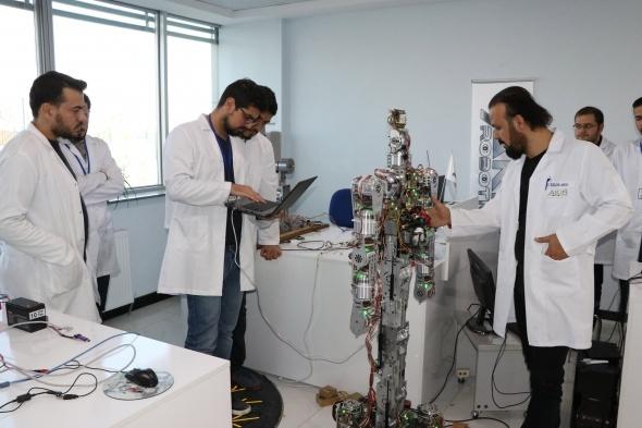 Türkiye'de ilk insansı robot fabrikası üretime başladı 3