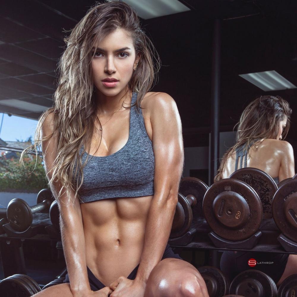 Ünlü fitness hocası, Instagram'ı sallıyor! 1