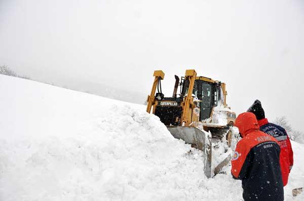 Bursa'da hamile kadın ve oğlu için 30 saatlik karla savaş! 1