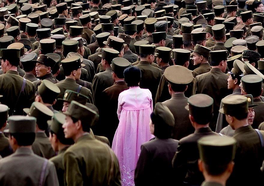 Kuzey Kore'den Kim Jong un'u kızdıracak kareler 1