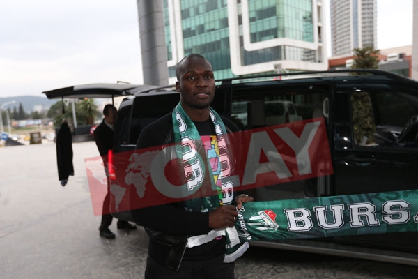 Moussa Sow Bursa'ya geldi! 1