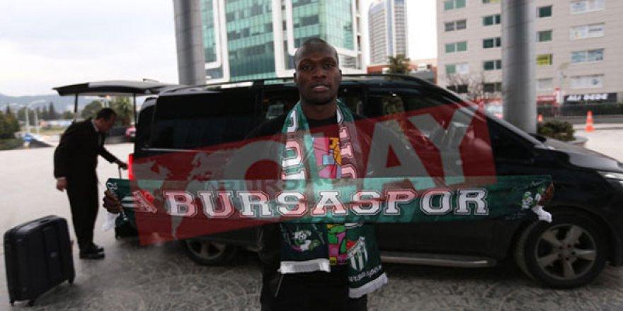 Moussa Sow Bursa'ya geldi!