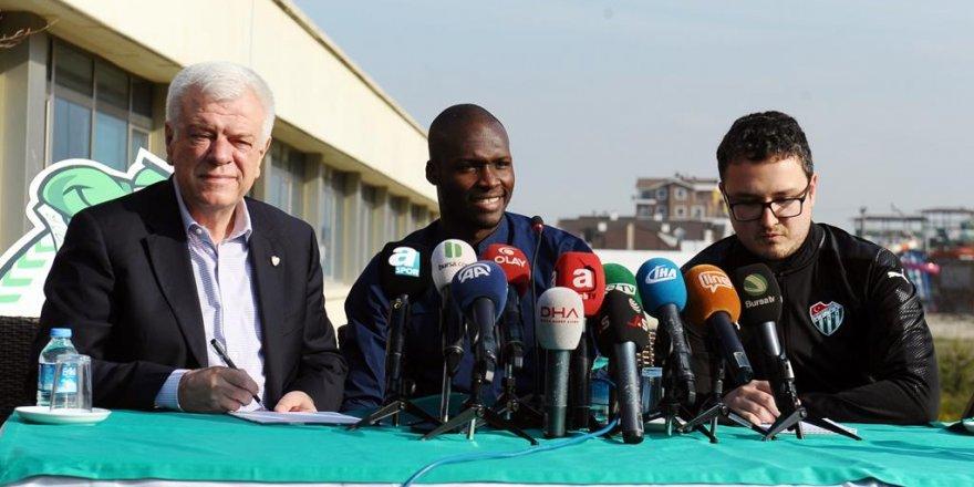 Moussa Sow, imzayı attı