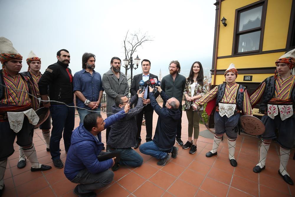 Diriliş Ertuğrul dizisi oyuncuları Bursa'da 1