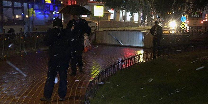 Bursalılar güne kar yağışı ile uyandı