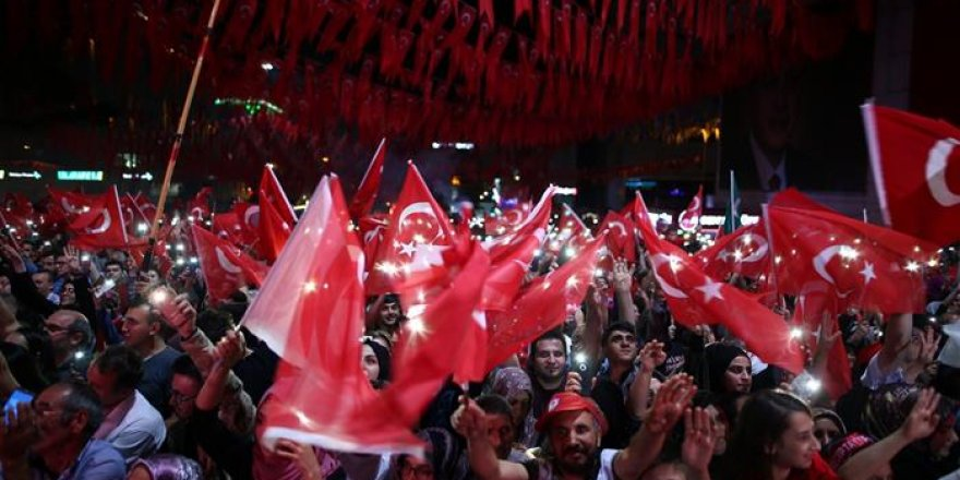 15 Temmuz şehitleri anıldı! Binlerce kişi katıldı...