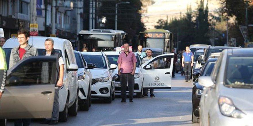 Bursa'da 9.05'te hayat durdu!