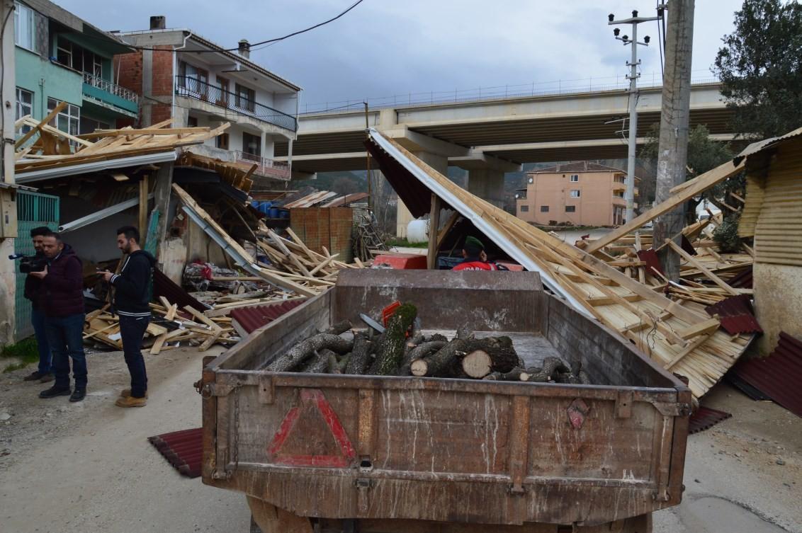 Bursa'da lodos hayatı felç etti 49