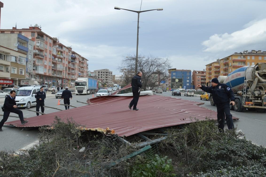 Bursa'da lodos hayatı felç etti 51