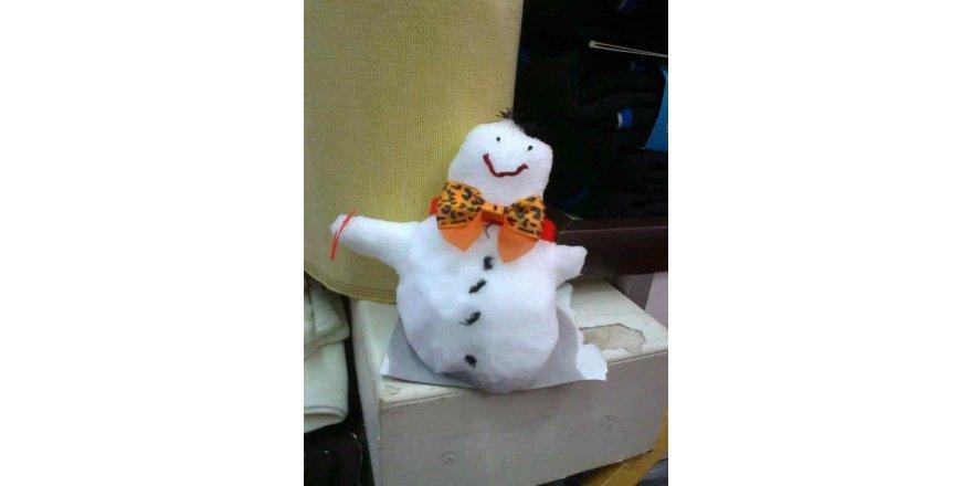 Bursa esnafından kardan adam sergisi
