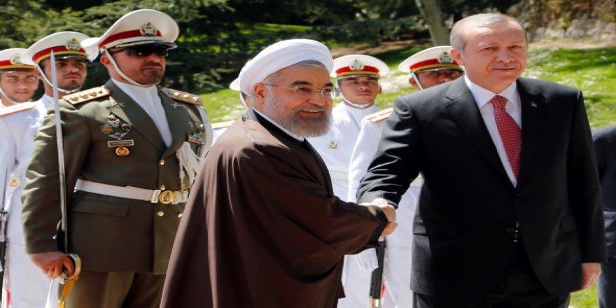 Erdoğan İran'da törenle karşılandı