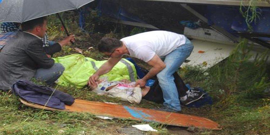 Bursa'da piknik dönüşü feci kaza..! 22 yaralı