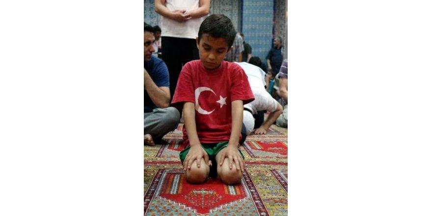 Bursa'da ilk teravih namazı kılındı