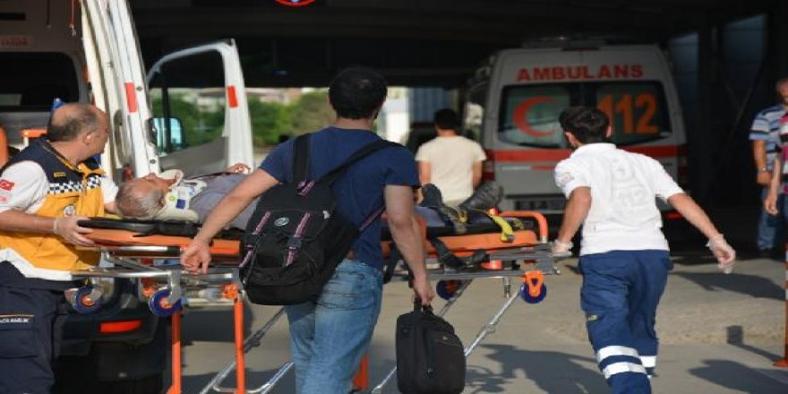 Bursa'da TIR, yolcu otobüsüne çarptı: 1 ölü, 26 yaralı