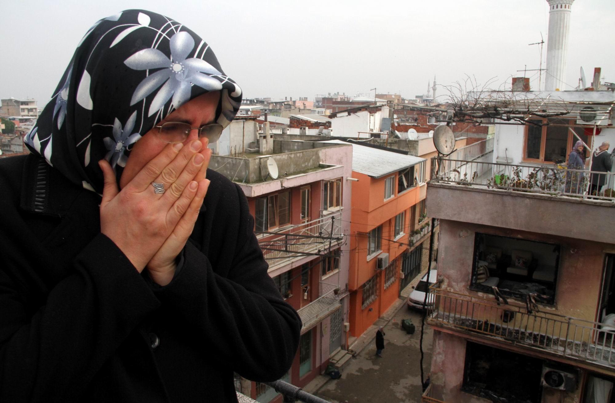Patlamanın yaşandığı mahalle savaş alanına döndü 15