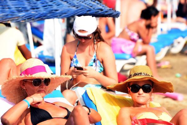 Bodrum sahilleri ve plajları cıvıl cıvıl 1