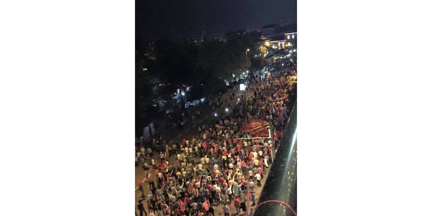 Bursa'da 10 bin kişiyle teröre lanet