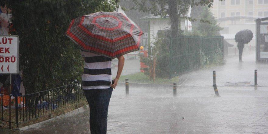 Bursa yağmura hazırlıksız yakalandı
