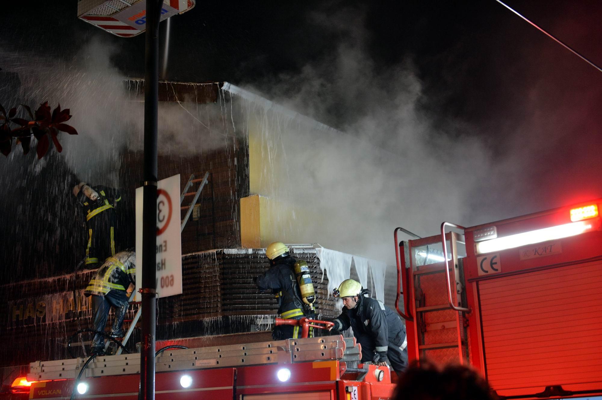 Bursa Kapalıçarşı'da büyük yangın 1