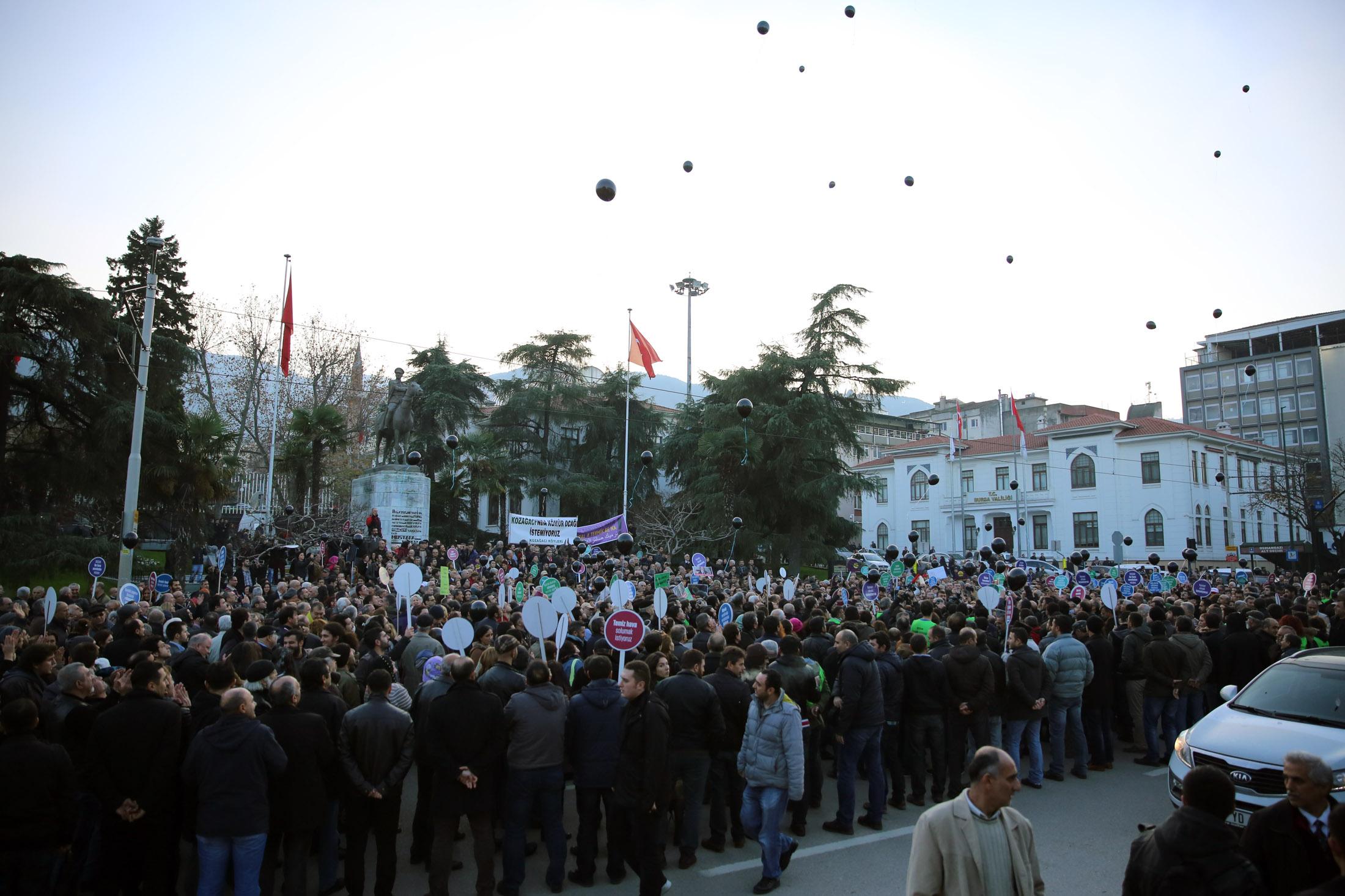 Bursa'da tarihi eylem 24
