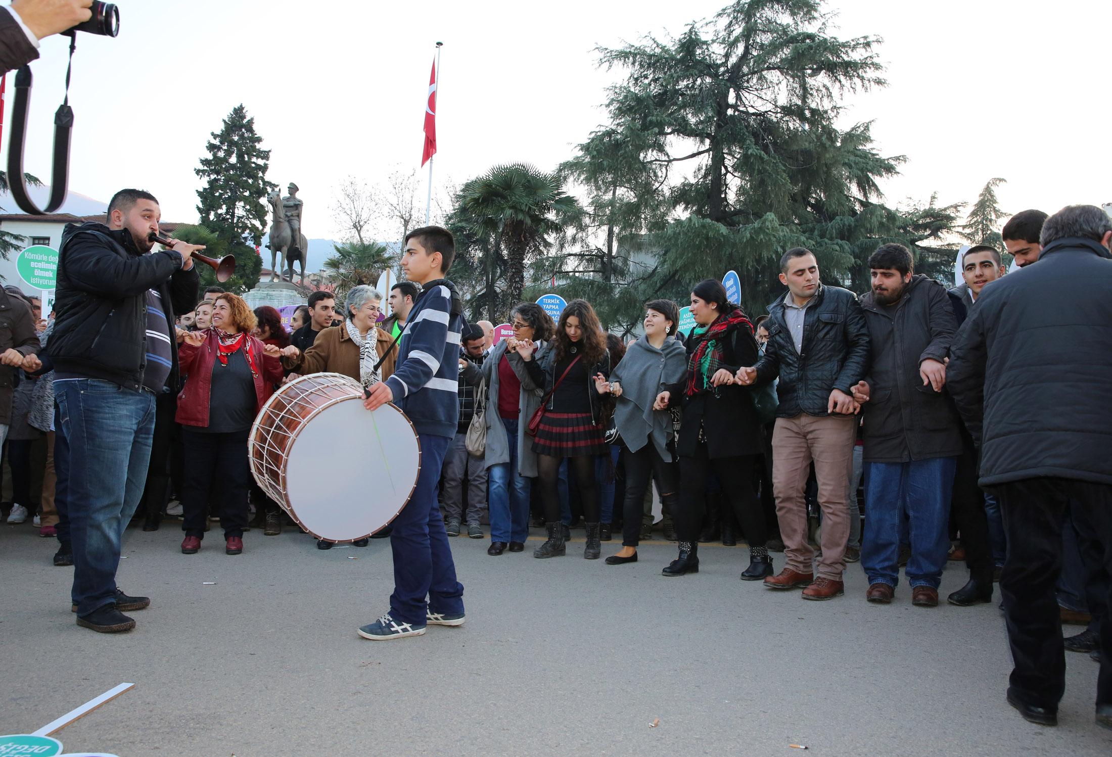Bursa'da tarihi eylem 27