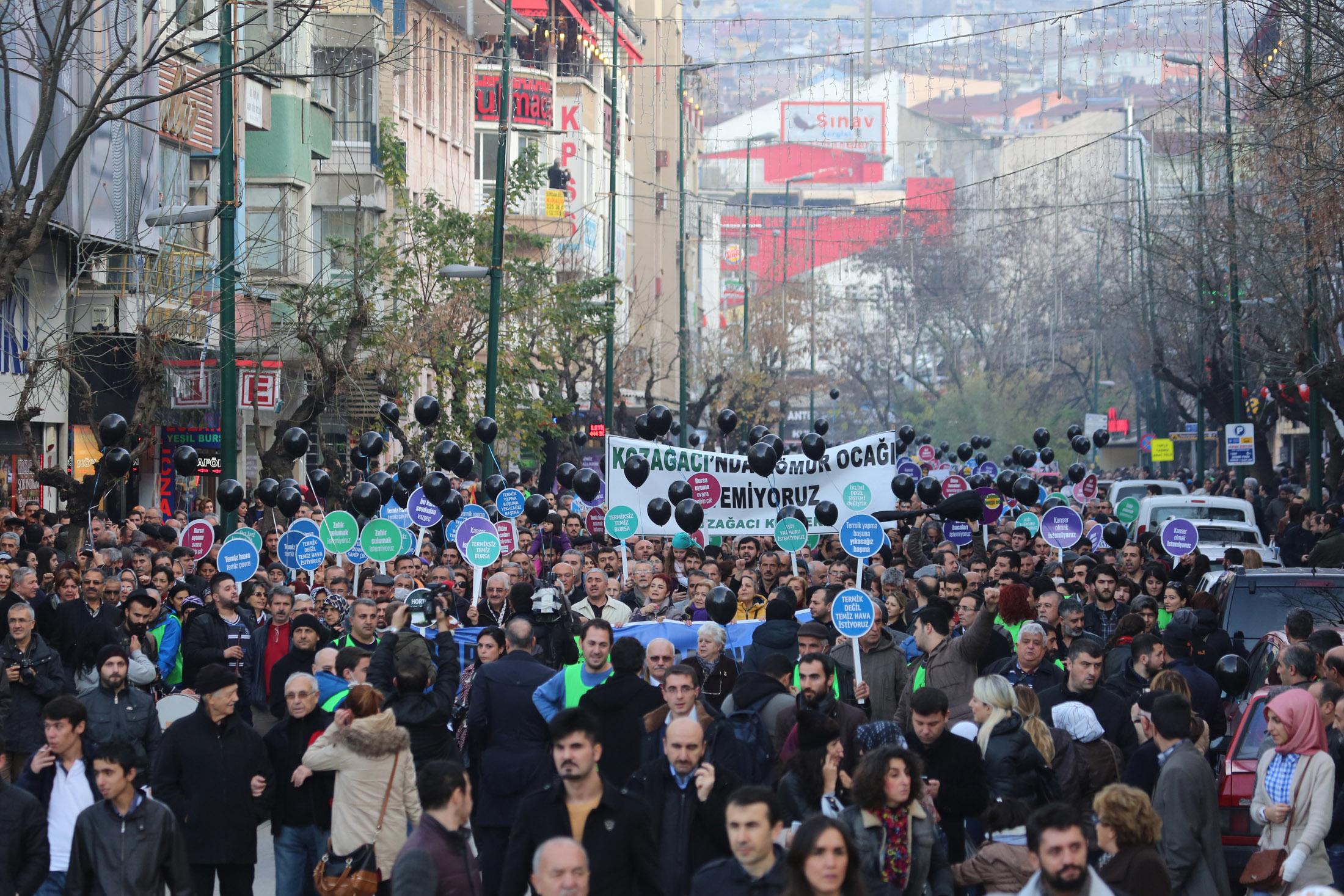 Bursa'da tarihi eylem 7