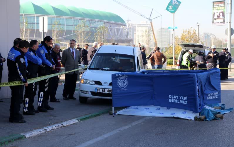 Acemler'de trafik kazası: 1 polis hayatını kaybetti 1
