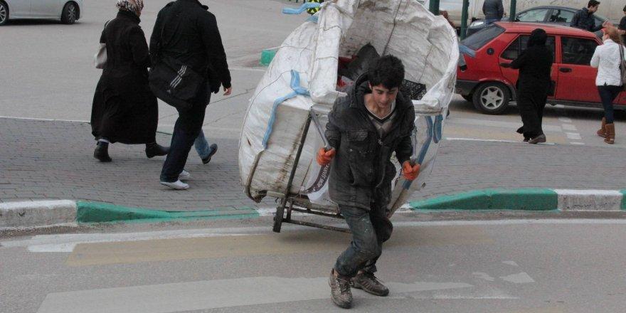 Bursa'da lodos zor anlar yaşatıyor