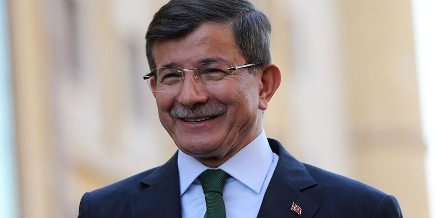 Davutoğlu yeni kabine açıkladı