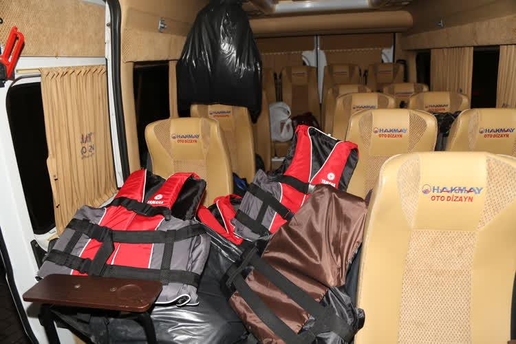 Bursa'da 34 kaçak göçmen yakalandı 1